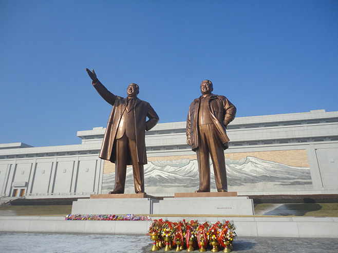 first impression of North Korea (D.P.R.K), Kim il Sung Stature